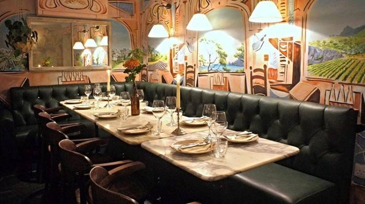 a seat in the private dining room of Ametsa with Arzak Instruction