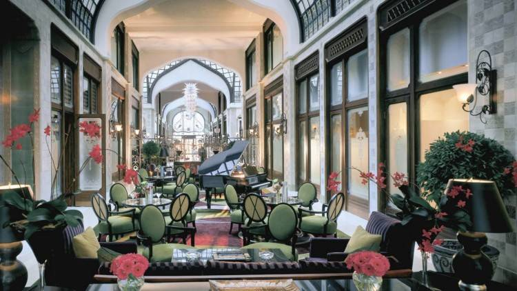 Bar in luxury Budapest hotel